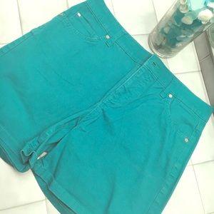 Bandolino Shorts - Bandolino green shorts